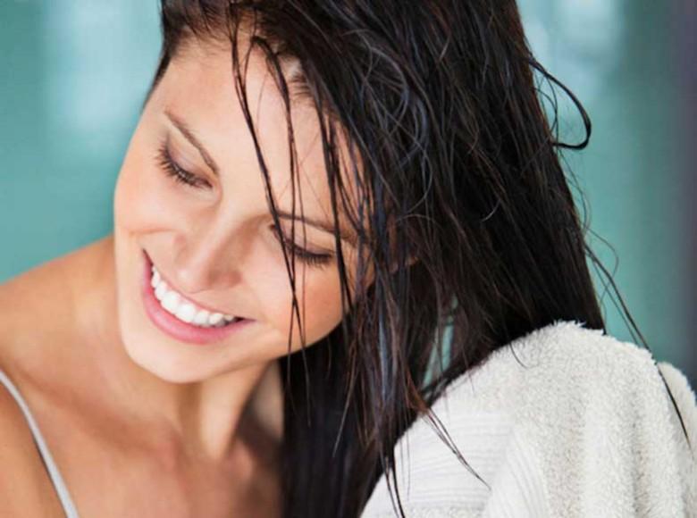 La crema de las manchas de pigmento sobre la persona de tiande
